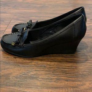 Lauren, Ralph Lauren wedge heels in black, so 7.5